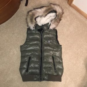 American eagle army green faux fur vest